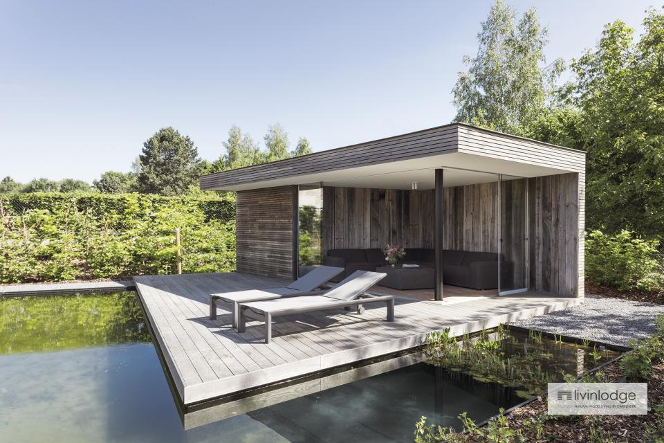 Moderne poolhouse met zwevend terras in Betekom